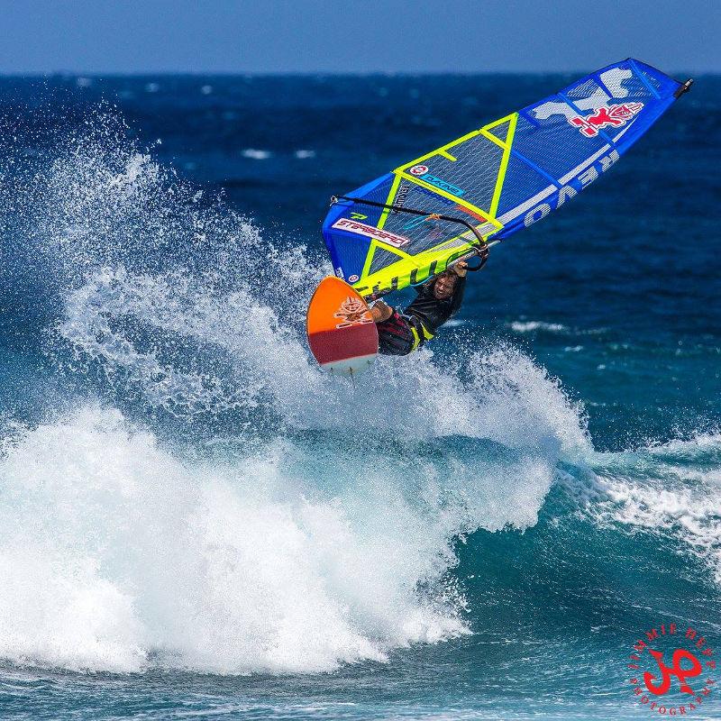 Phil Soltysiak windsurfing at Ho'okipa, Maui, Hawaii - Photo by Jimmie Hepp
