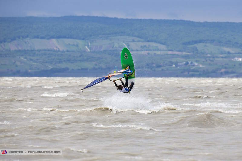 Podersdorf windsurf action