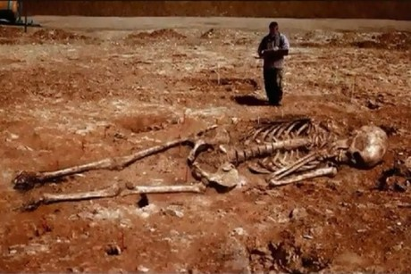 Iran Archaeologists Discovered 5 Meters Tall Skeleton (Photo)