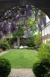 The Powel House garden (Photo credit: Courtesy of PhilaLandmarks)