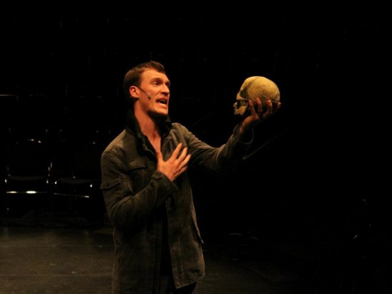a glimpse into the multiple roles of hamlet Put your dread pleasures more into command: than to entreaty  steevens explains an eye of you as a glimpse of your meaning, but surely hamlet has a good deal .