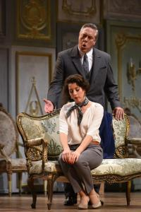 LA TRAVIATA (Opera Philadelphia):  A stunning new design and a stellar new Violetta