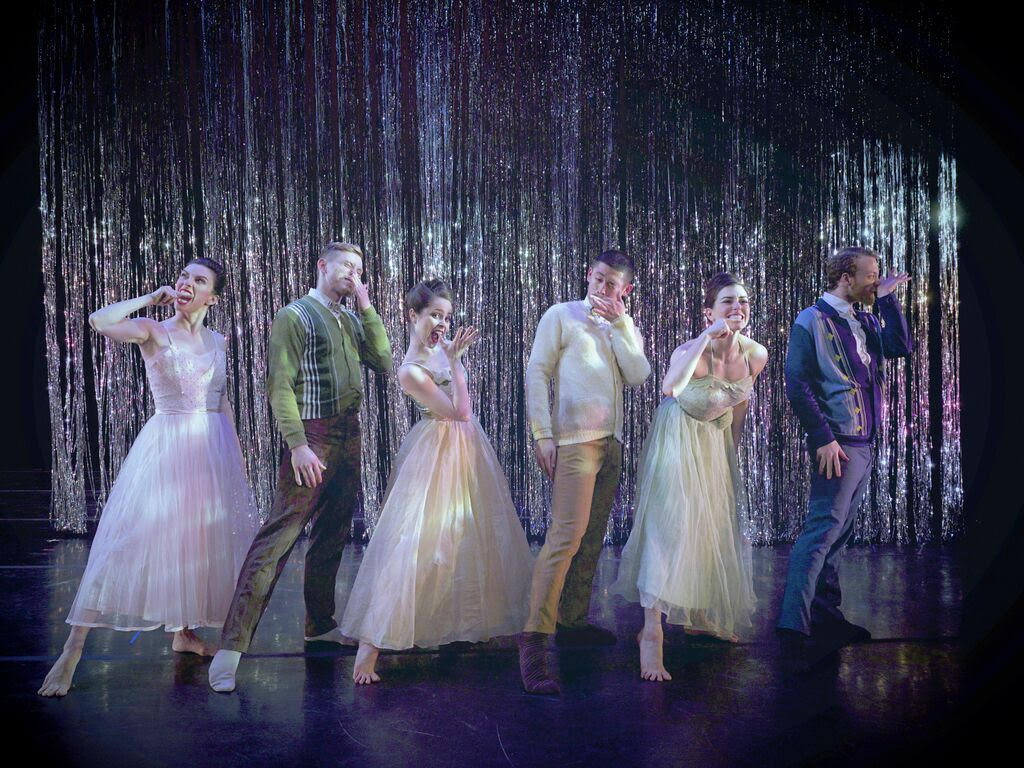 A Trick of the Light choreographed by Joshua L. Peugh for BODYTRAFFIC. Photo credit: Guzmán Rosado.