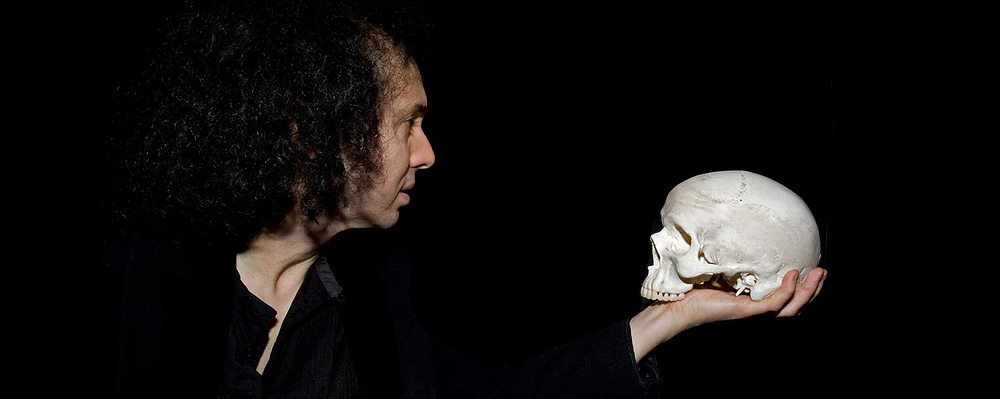 rev-theatre-hamlet-review