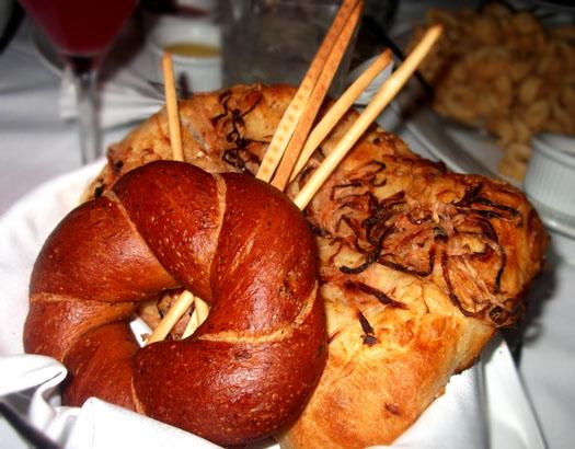 New Restaurant Open at Scottsdale Quarter: Dominick's Steakhouse: Bread Basket