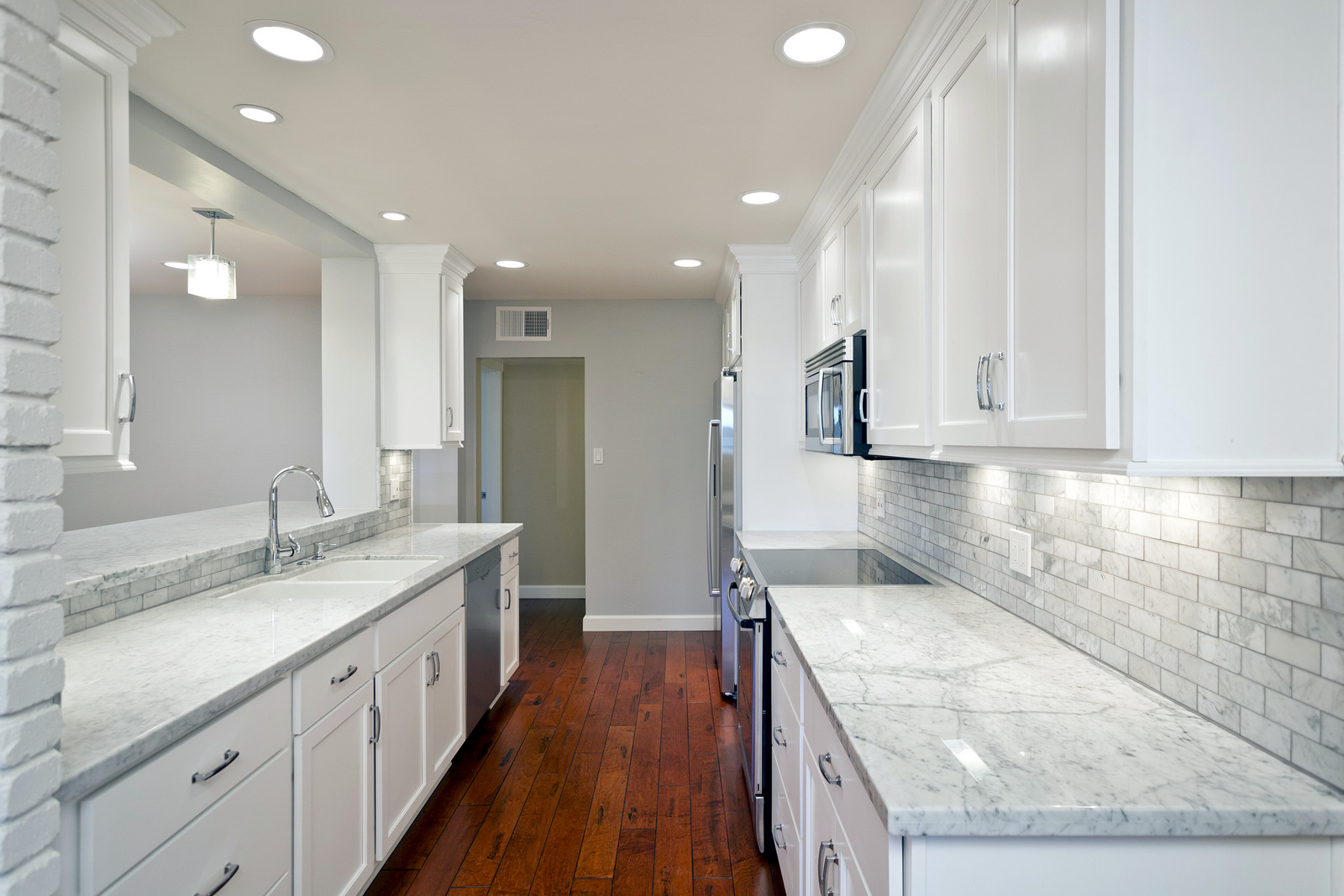 cabinets kitchen remodeling phoenix az Phoenix AZ Kitchen Cabinets in White