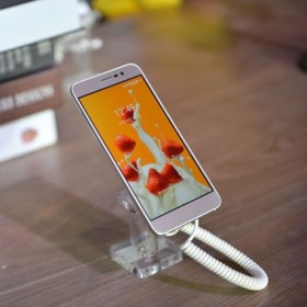The Balde A910 Is Backed By A 2540mAh Battery And Runs On Android 51 Lollipop Based MiFavor 32 UI Overlaid