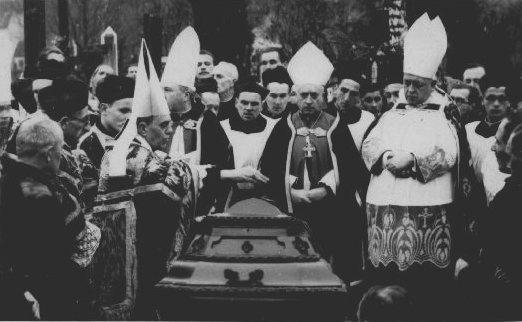 Похорони архієпископа Йосифа Теодоровича.