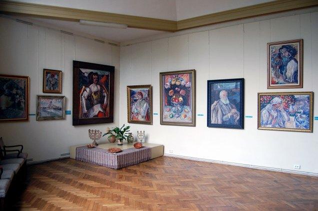 Експозиція Художньо-меморіального музею Олекси Новаківського.