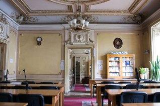 Загальний читальний зал бібліотеки Львівського національного медичного університету.