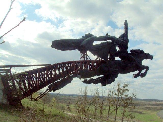 Пам'ятник Першій Кінній армії станом на 2015 рік. Фото Галінфо.
