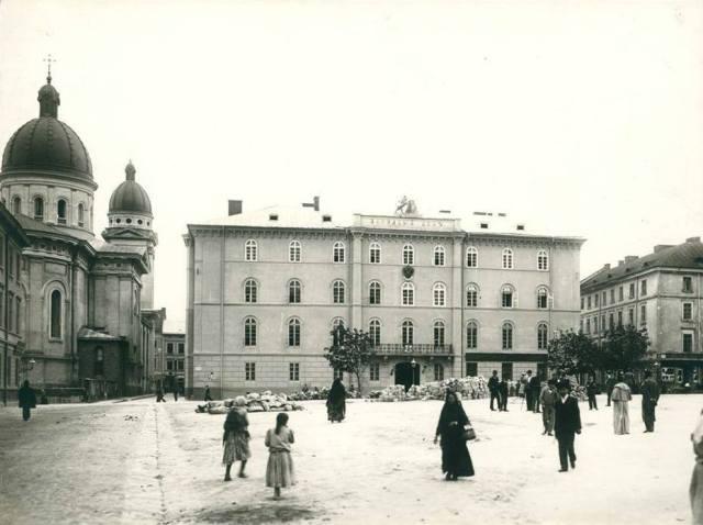 Львів, вул. Театральна, Народний Дім та площа перед ним, 1894 рік
