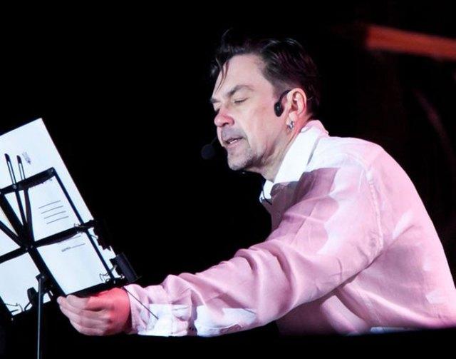 Юрій Андрухович під час львівського виконання «Альберта»