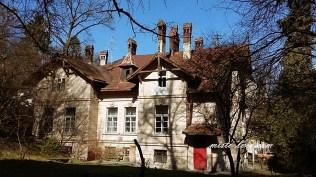 Власна вілла Наполеона Лущкевича «Марія», яку він спорудив у 1896 році спорудив по вул. Івана Франка, № 122