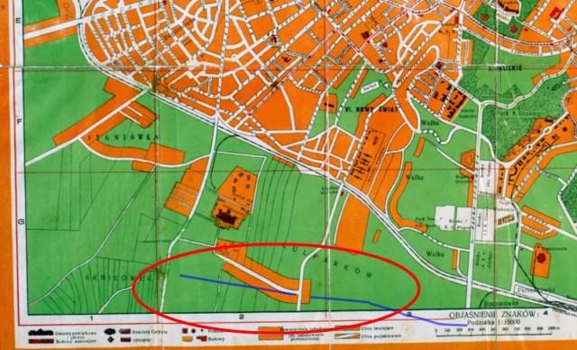 Зіставлення обрисів сучасної вулиці В.Великого (синя лінія) з вул. До Закладу