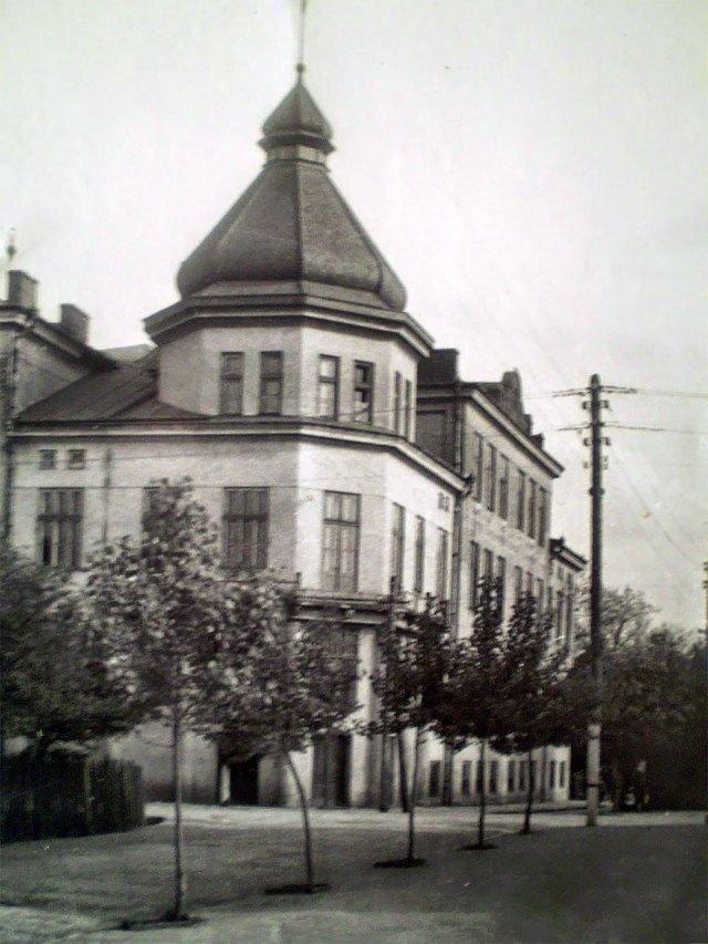 Дрогобицька гімназія, фото початку ХХ століття