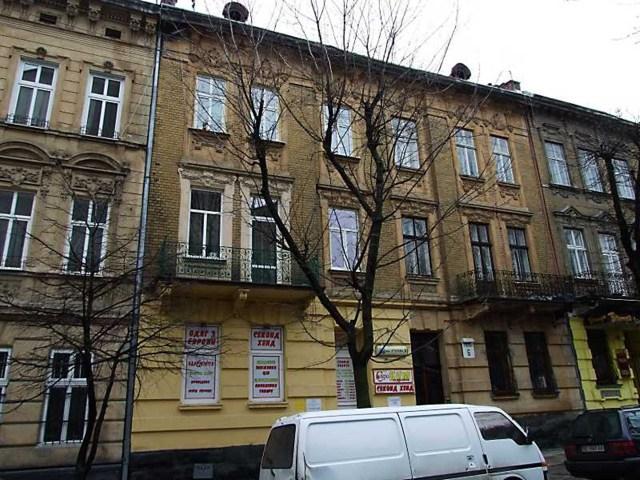 Житловий будинок №6 по вул. Чехова у Львові. Тут колись мешкала Габріеля Запольська