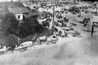Мечислава Ганицька. Ярмарок, поч. 1930-х рр. (Світло й Тінь. – 1935. – Ч. 8)