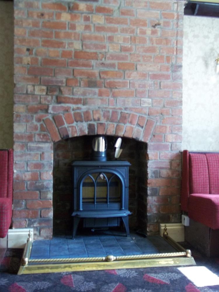 Apollo Heatsource 100 Feedback Chimney Fireplace