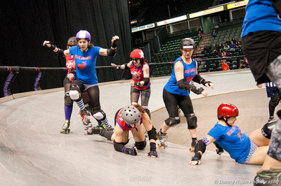 Danny Ngan Photography: Tilted Thunder Rail Birds, Port Scandalous, Rose City Rollers &emdash; Tilted Thunder Rail Birds Off-Season Bout 2