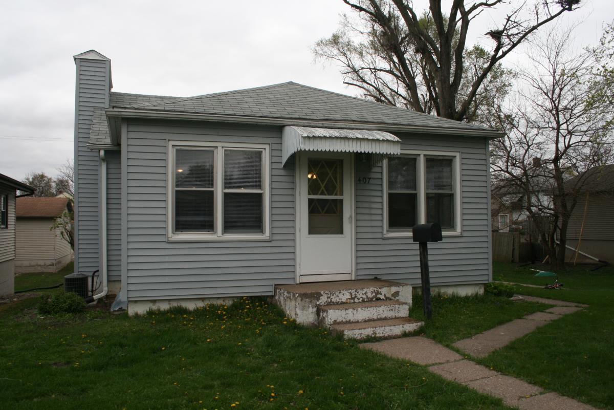 Garage For Rent On Craigslist 407 Adams Street Muscatine Ia 52761 Hotpads