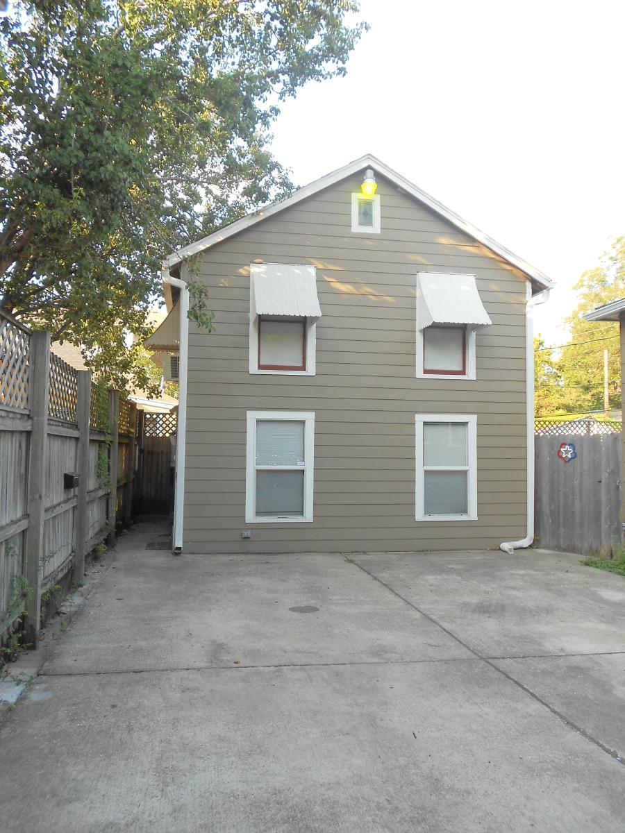 Garage Apartment In Houston 119 1 2 W 9th Street Apt Garage Houston Tx 77007 Hotpads
