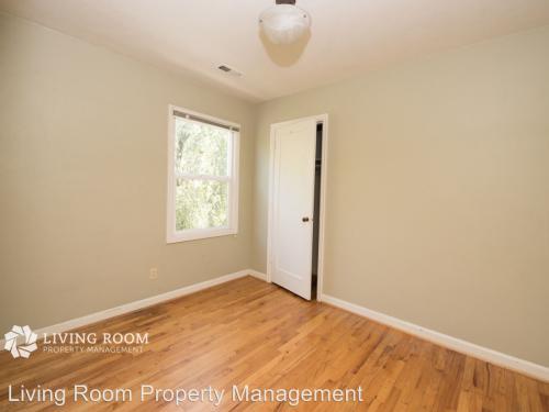 1643 SE Washington Street, Portland, OR 97214 HotPads - living room property management