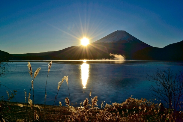 Japan Trip Blog Winter A Crisp Sunrise On Mt Fuji From Lake Motosu Japan Photorator