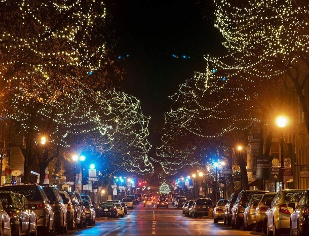 Falling Water House Wallpaper Christmas Lights In Downtown Frederick Maryland Photorator