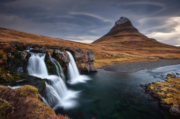 Fall Mountains Hd Wallpaper 13 Kirkjufellsfoss Waterfall Near Kirkjufell Mountain