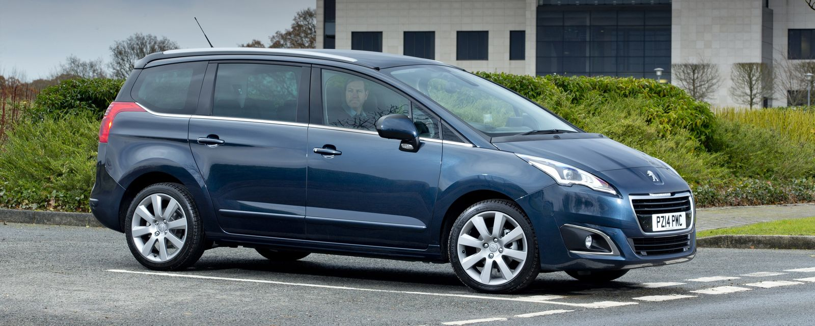 Peugeot 5008 Sizes And Dimensions Guide Carwow