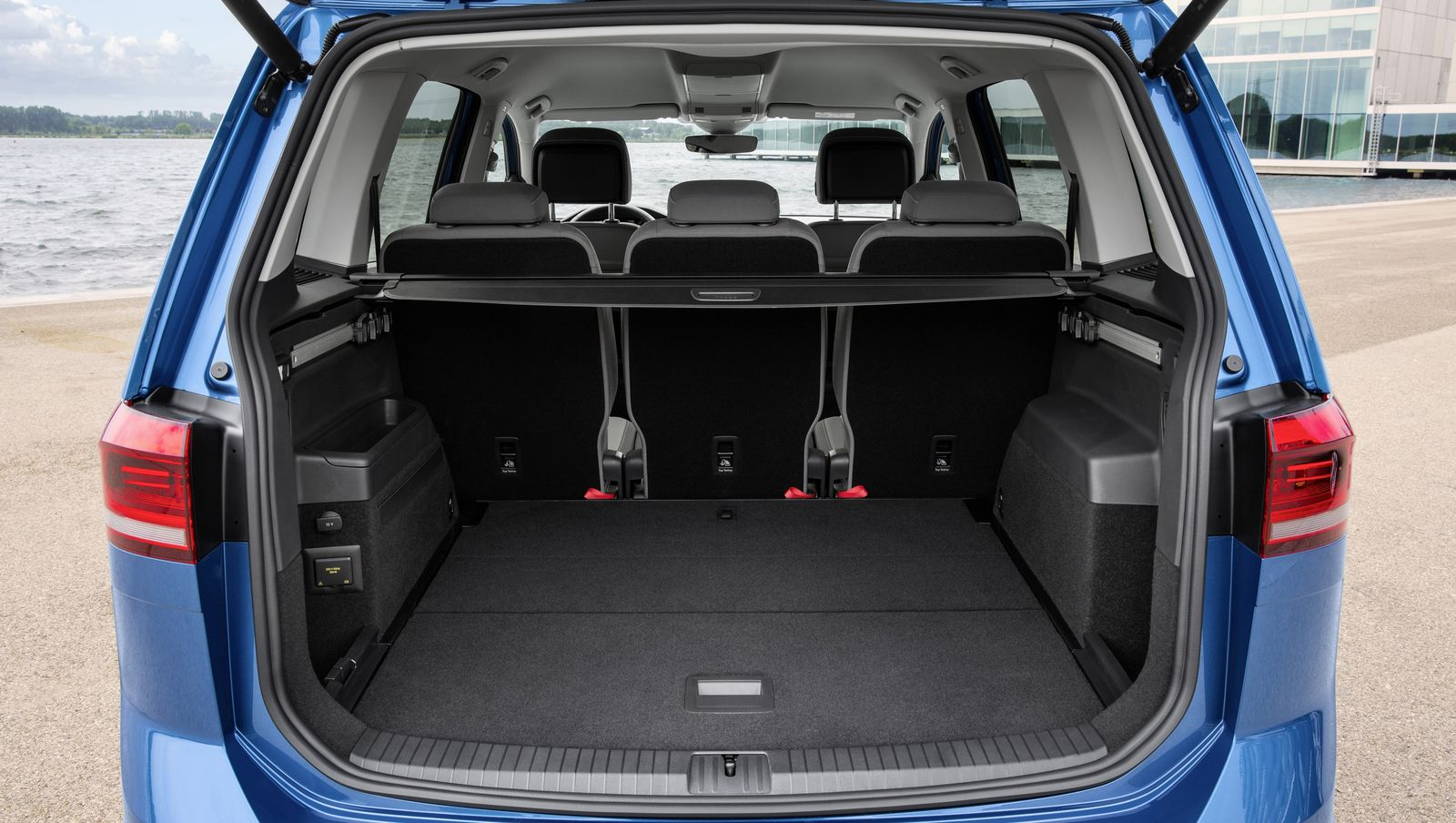 vw touran boot dimensions ivoiregion. Black Bedroom Furniture Sets. Home Design Ideas
