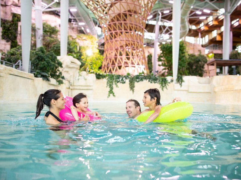 Center Parks Zwembad Holiday Park Near Disneyland Paris, 5 Univers | Villages
