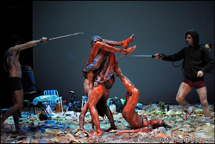 Golgota Picnic - Mise en scène de Rodrigo Garcia Théâtre Pinterest - theater resume template