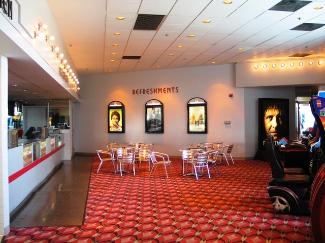 Multiplex Regal Webster Place Theaters In Chicago, Il - Cinema Treasures