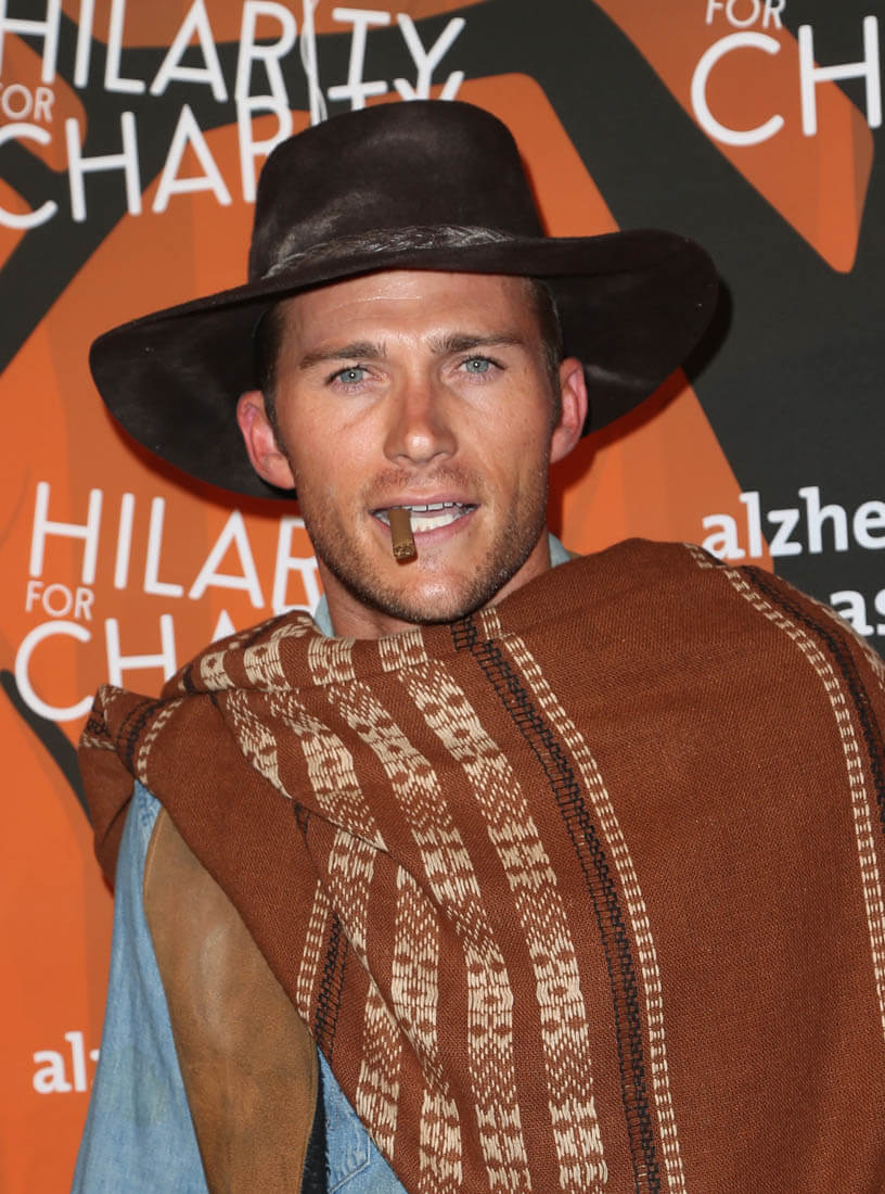 2 Swift Scott Eastwood Dresses As His Dad's Character In The Good