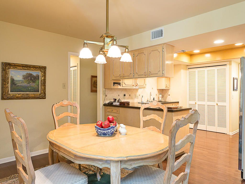 Download Beautiful One Story Beecave Woods Home 3100 Brightwood Drive Dining  Room Tables Austin Tx ...