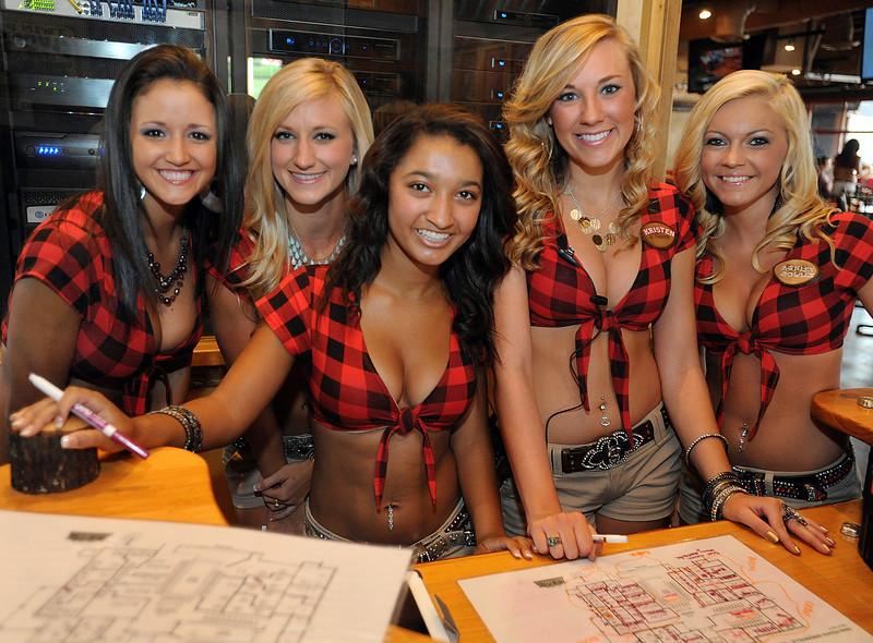Twin Peaks Celebrates - GwinnDavis