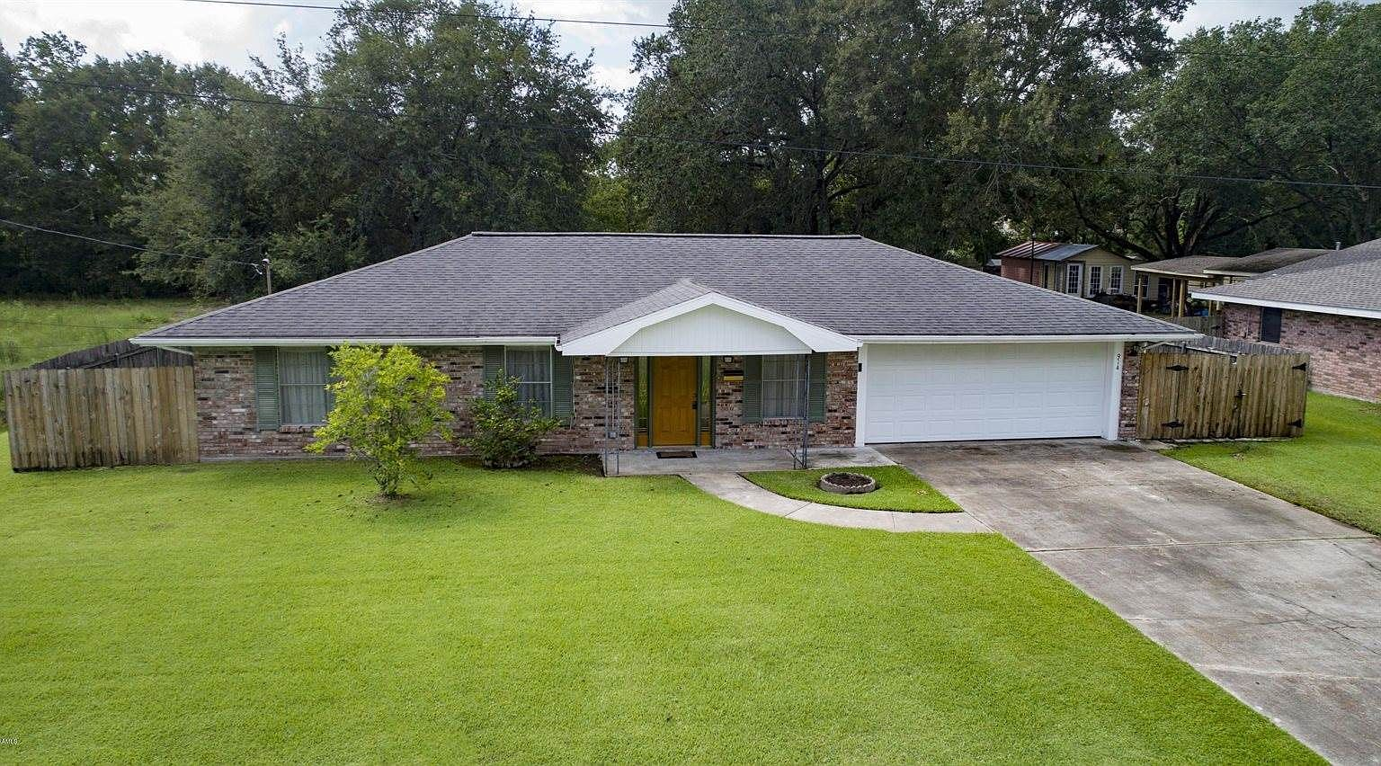 914 E 1st St Crowley La 70526 Zillow