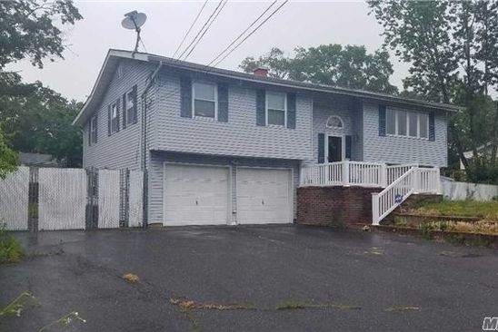 123 Studley St, Brentwood, NY 11717 RealEstate