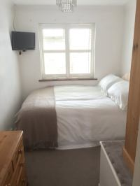 'Lovely Spacious Single Room(with small double bed)' Room
