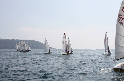 A clean start for the dinghies - Day One 2009.  Photography by Duncan Worthington