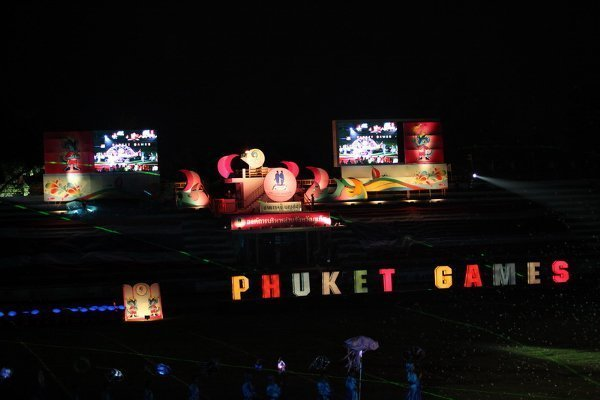 Phuket Games 2012 closes in real Phuket style