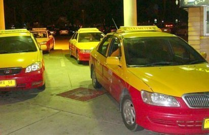 Phuket's illegal taxi's discussed once again