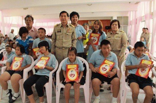 Phuket awards Khun Phum's Foundation Scholarships