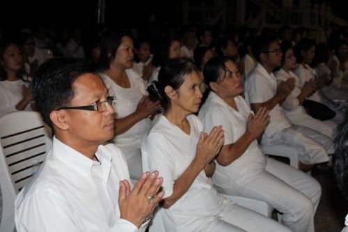 Phuket PAO recites prayer for King & Queen