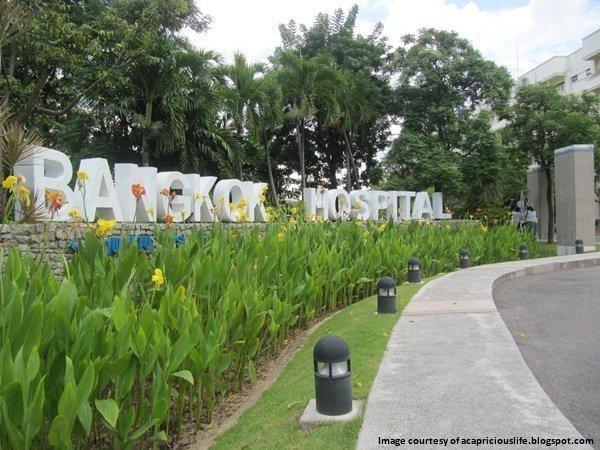Phuket hospital takes 2 Asian Hospital Management Awards 2013
