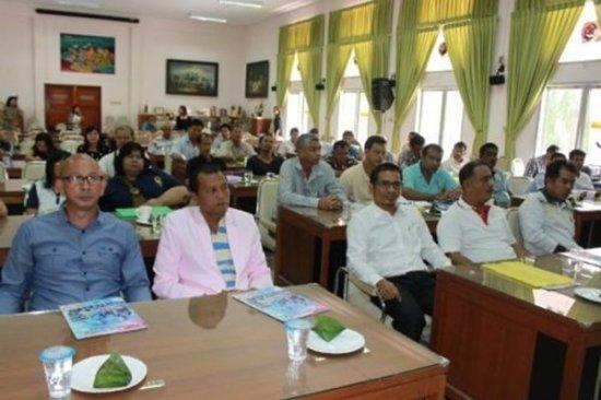 Phuket Organizes Community Leaders Development Program