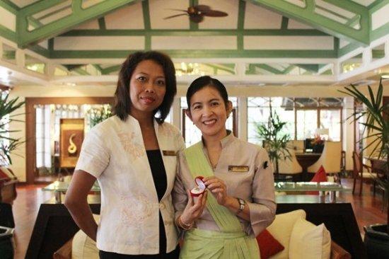 Phuket Chief Concierge honoured by Les Clefs d' Or