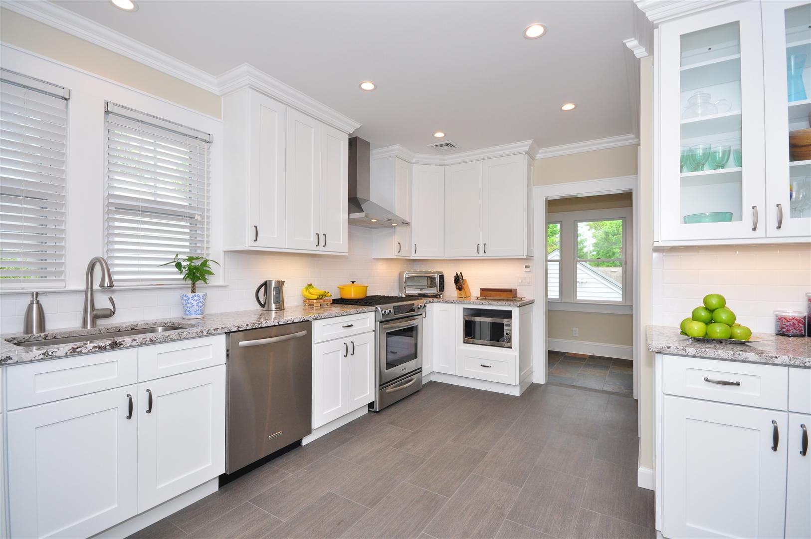 Complete kitchen renovations from 9 995